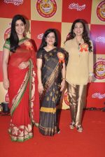 Juhi Chawla and Sakshi Tanwar at Kellogs event in Taj, Mumbai on 21st Jan 2014 (27)_52df68a26770b.JPG