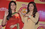Juhi Chawla and Sakshi Tanwar at Kellogs event in Taj, Mumbai on 21st Jan 2014 (34)_52df68a37c5a9.JPG