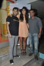 Monica Dogra at Hokey Pokey store in Mumbai on 22nd Jan 2014 (19)_52e0b6df6c8ad.JPG