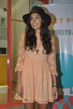 Monica Dogra at Hokey Pokey store in Mumbai on 22nd Jan 2014 (21)_52e0b6e022346.JPG