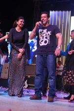 Salman Khan, Daisy Shah at worli fest in Mumbai on 24th Jan 2014 (34)_52e39047eae4e.JPG