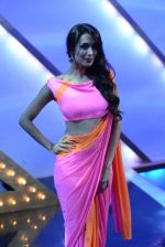 Malaika Arora Khan on location of India_s got talent in Filmcity, Mumbai on 25th Jan 2014  (41)_52e4e0e384f78.JPG