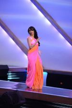 Malaika Arora Khan stunning in a shivan naresh saree in Mumbai on 25th Jan 2014 (37)_52e4b443734b6.JPG