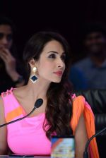 Malaika Arora Khan stunning in a shivan naresh saree in Mumbai on 25th Jan 2014 (44)_52e4b4460f48b.JPG