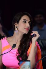 Malaika Arora Khan stunning in a shivan naresh saree in Mumbai on 25th Jan 2014 (46)_52e4b446bf0c6.JPG