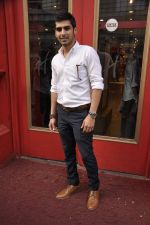 Sameer Dattani at launch of book Lost in the Woods in Hamleys, Mumbai on 27th Jan 2014 (36)_52e741ceed7c5.JPG