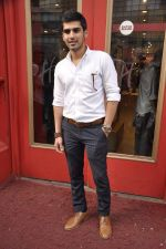 Sameer Dattani at launch of book Lost in the Woods in Hamleys, Mumbai on 27th Jan 2014 (37)_52e741cf5282c.JPG