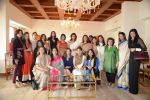 Kareena Kapoor, Krishika Lulla, Rashmi Thackeray at the lunch hosted by Chhaya Momaya in Mumbai on 28th Jan 2014 (90)_52e8996a3c835.JPG