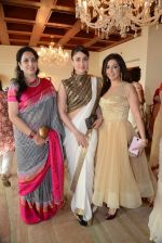 Kareena Kapoor, Krishika Lulla, Rashmi Thackeray at the lunch hosted by Chhaya Momaya in Mumbai on 28th Jan 2014 (93)_52e8996aa7b6d.JPG