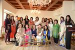 Kareena Kapoor, Krishika Lulla, Rashmi Thackeray at the lunch hosted by Chhaya Momaya in Mumbai on 28th Jan 2014 (88)_52e89969c25ef.JPG