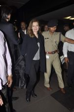 Former first lady of France Valerie snapped at airport in Mumbai on 28th Jan 2014 (29)_52e9f767374f1.JPG