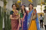 Ahana Deol, Hema Malini, Esha Deol at Ahana Deol_s Mehndi Ceremony in Mumbai on 31st Jan 2014 (37)_52ec9b15af19f.JPG