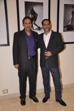 Parvez Damania at Vikram Bawa Calendar Launch in Mumbai on 31st Jan 2014 (9)_52ec94ad651eb.JPG
