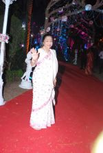 Asha Bhosle at Ahana Deol_s Wedding Reception in Mumbai on 2nd Feb 2014(241)_52efa04627441.JPG