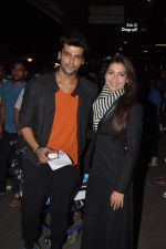 Gauhar Khan and Kushal Tandon snapped at the airport in Mumbai on 2nd Feb 2014 (11)_52ef609eddc42.JPG