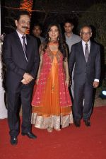 Juhi Chawla at Ahana Deol_s Wedding Reception in Mumbai on 2nd Feb 2014 (77)_52efa2250376b.JPG