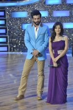 Jay Bhanushali, Ishita Sharma at the Promotion of Gunday on Dance India Dance in Famous, Mumbai on 3rd Feb 2014 (61)_52f086714ca0d.JPG