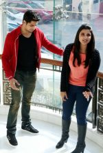 Parineeti Chopra, Sidharth Malhotra at Hasee Toh Phasee promotions in Delhi on 3rd Feb 2014 (18)_52f0834ee3593.JPG