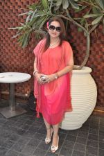 Poonam Dhillon at Naved jaffrey surprise birthday bash hosted by wife Sayeeda Jaffrey in Mangii Cafe, Mumbai on 3rd Feb 2014 (56)_52f08490ed6c1.JPG