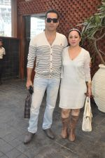 Sudhanshu Pandey at Naved jaffrey surprise birthday bash hosted by wife Sayeeda Jaffrey in Mangii Cafe, Mumbai on 3rd Feb 2014 (39)_52f084c4192fb.JPG