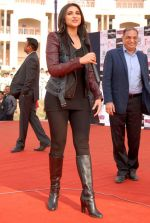 Parineeti Chopra grooved on the songs of Hasee Toh Phasee with students in a School, Noida on 5th Feb 2014 (3)_52f3bdd0ec9f0.JPG