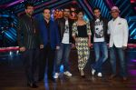 Priyanka Chopra, Arjun Kapoor, Ranveer Singh, Javed Jaffrey, Ravi Behl, Naved Jaffrey at gunday promotions on the sets of Boogie Woogie in Malad, Mumbai on 6th Feb 2014 (97 (99)_52f3d92a49fa0.JPG