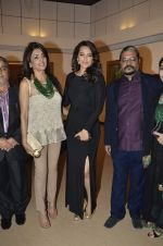 Sonakshi Sinha at neeraj goswami exhibition  hosted by chhaya Momaya in Jehangir Art Gallery, Mumbai on 5th Feb 2014 (176)_52f3c1dac6cf9.JPG