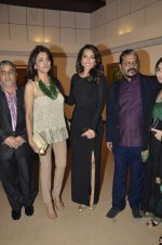 Sonakshi Sinha at neeraj goswami exhibition  hosted by chhaya Momaya in Jehangir Art Gallery, Mumbai on 5th Feb 2014 (177)_52f3c1db2f61e.JPG
