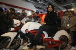 Sameera Reddy Unveils Vardenchi T5- India_s first ultra premium motorcycle at Auto Expo 2014 (2)_52f7833c92eae.jpg