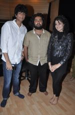 Music Director Palash Muchhal, Arijit Singh & Palak Muchhal celebrated after the song recording for Shilpa Shetty_s productions film _Dishkiyaaoon__52f8708d34ef4.JPG
