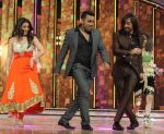 Shruti, Bosco and Firoz short peromace on the sets of Dance India Dance season 4_52f9c32bbb29e.JPG