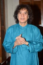 Zakir Hussain at Idea of India press meet in Trident, Mumbai on 10th Feb 2014 (45)_52f9b4de7a534.JPG