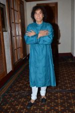 Zakir Hussain at Idea of India press meet in Trident, Mumbai on 10th Feb 2014 (59)_52f9b4d8d0da6.JPG