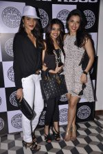 Deepti Gujral at PizzaExpress Black and White Valentine_s Bash in Colaba Restaurant, Mumbai on 12th Feb 2014 (35)_52fc87fab2018.JPG