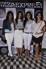 Nina Manuel at PizzaExpress Black and White Valentine_s Bash in Colaba Restaurant, Mumbai on 12th Feb 2014 (54)_52fc884fc3cff.JPG