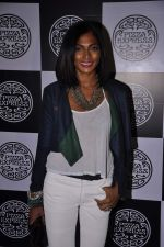 Nina Manuel at PizzaExpress Black and White Valentine_s Bash in Colaba Restaurant, Mumbai on 12th Feb 2014 (62)_52fc8868a7a64.JPG