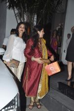 Sridevi, Rashmi Thackeray at Simone Khan_s birthday bash in Sanjay Khan_s Residence, Mumbai on 12th Feb 2014 (74)_52fc70bfac2d7.JPG