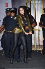 Sunny Leone at Ragini MMS 2 promotions in a bird cage in Infinity Mall, Mumbai on 12th Feb 2014 (110)_52fc871821fac.JPG