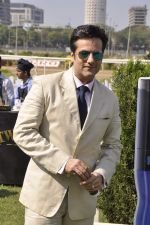 Fardeen Khan at Provogue AGP fashion show and race in RWITC, Mumbai on 16th Feb 2014 (164)_5301c9c1eb851.JPG