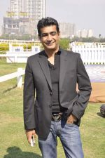 Kishan Kumar at Provogue AGP fashion show and race in RWITC, Mumbai on 16th Feb 2014 (125)_5301c9f0276f9.JPG