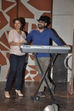Sunidhi Chauhan with her husband Hitesh Sonik  at the recording of Amol Gupte_s music video in Mumbai on 16th feb 2014 (68)_5301a6629ac35.JPG