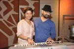 Sunidhi Chauhan with her husband Hitesh Sonik  at the recording of Amol Gupte_s music video in Mumbai on 16th feb 2014 (86)_5301a667baf27.JPG
