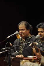 Anup Jalota_s exhibition and concert in Sion, Mumbai on 22nd Feb 2014 (36)_5309dbb92c9c9.JPG