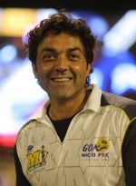 Bobby Deol at CCL 4 Semi Final2 Karnataka Bulldozers Vs Mumbai Heroes Match on 22nd Feb 2014 (91)_5309e217e6964.JPG