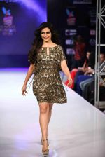 Koel Mallick walks for Rocky S on day 2 of Bengal Fashion Week on 22nd Feb 2014 (62)_5309f61379288.jpg