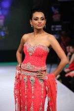 Reshmi Ghosh walks for designer AD Singh at Bengal Fashion Week day 2 on 22nd Feb 2014 (29)_5309f4d04cfd8.jpg