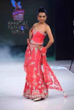 Reshmi Ghosh walks for designer AD Singh at Bengal Fashion Week day 2 on 22nd Feb 2014 (32)_5309f4d16a4dc.jpg