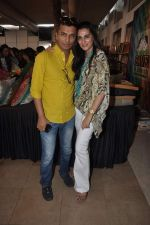 Vikram Phadnis, Mana Shetty at Araish Event hosted by Sharmila and Shaan Khanna in Mumbai on 25th Feb 2014 (142)_530ca01d3e7b6.JPG