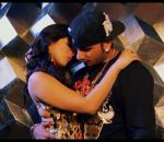 Sunny Leone & Yo Yo Honey Singh intoxicate in CHAAR BOTAL VODKA in Ragini MMS-2 on 26th Feb 2014 (3)_530de16697923.jpg