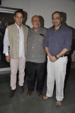 Dalip Tahil, Shyam Benegal, Sachin Khedekar at Samvidhan serial launch in Worli, Mumbai on 28th Feb 2014 (13)_5311897360191.JPG